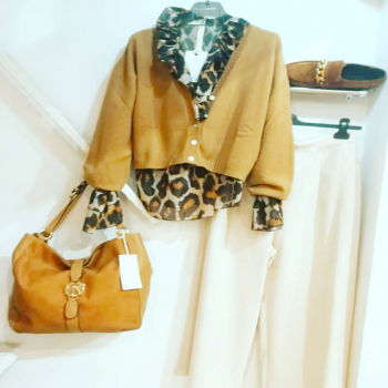 #loveshopping💞 #fallwinter2021 #collection #moodoftheday #lookoftheday #like4likes #glamfanatics #glamshop #dettagli #instagram #instphoto #following👀 #📲3515329580 #contattaci📩direct #contattaci🚛🏠 #spedizioniintuttaitalia🚚📲📦 #spedizionionline #glamfanatics #glamourphoto #womanfashion #womanstyle #ipanemacapurso🌈