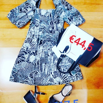 ❌ SALDI ❌ #newdress #vicolo #newinshop #fashionista #fashionlook #totallook #saldi #timetravel #lastminute #summerlook #holidays #girly #guessshop #spedizionionline #trend #moodoftheday #blogger #like4likes #alternativegirl #ipanemacapurso♥️