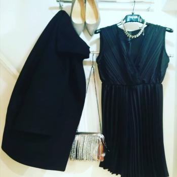 #blacklove #blackmood #moodinspiration #zahjrcollection #loveit #lookstyle #glamfanatics #glamourphoto #loveshopping💞 #likefollowers #details #blog #fashionlook #photooftheday #likefollowers #like4likes #positivevibes #📲3515329580 #contattaci🚛🏠 #contattaci📩direct #weddingdress #ipanemacapurso♥️