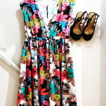#longdress #vicolo_official #vicolodress #colors #shoes #guessitalia #sundaymotivation❤️ #sundaymood☀️ #like4likes #loveshopping💞 #moodoftheday #lookstyle #tagforlikes #tagstsgram #tantecosebelle #springisintheair #following👀 #following #followforfollowback #instolike #instphoto #instastyle #fashionlook #fashionnable #ipanemacapurso☀️