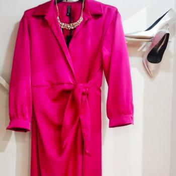 #pinkmood #pinkdress #acccessories #silver #vicoloofficial #zahjrabbigliamento #longdress #details #weddinginspiration #photographylovers #photooftheday #photogram #glamourphoto #glamfanatics #moodoftheday #musthave #instagram #📲3515329580 #contattaci🚛🏠 #contattaci📩direct #consrgneadomicilio #like4likes #lookstyle #followme #ipanemacapurso♥️