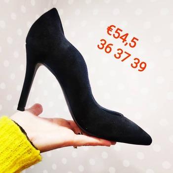 ❌ DOMENICA MATTINA APERTI ❌ 📲 Contattaci al 35153295890 #saldiinvernali #sundaymood☀️ #shoes #cafenoir #decollete #sundaylook #wintersale #winter21 #instagram #fashiondiaries #glamshop #glamfanatics #womanfashion #shoesblogger #bloggerstyle #loveshopping💞 #likefollowers #like4likes #shoponlinenow #shopnow #contattaci🚛🏠 #contattaci📩direct #ipanemacapurso🌈