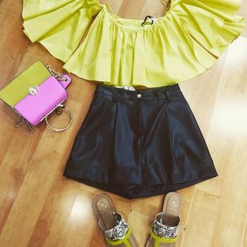 ‼️ saldiiiii ‼️ #outfitoftheday #outfitonspiration #summerlook #summerlove #loveshopping💞 #shoppingtime #vicolo #zahjr #guess #nali #instalook #instolike #fashionista #fashiondiaries #blogger
