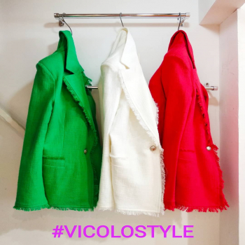 #jacket #green #white #red #vicolojacket #vicolodellenews #italianstyle #italy🇮🇹 #fashiondiaries #fashionlook #fashionphotography #fashiongirl #like4likes #loveshopping💞 #lookstyle #loveit #moodoftheday #moodinspiration #fridayvibes #glamshop #glamfanatics #newinshop #📲3515329580 #fashionbloggeritalia #tagforlikes #tagstagram #ipanemacapurso🌈
